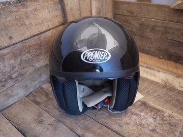 Premier helm zwart